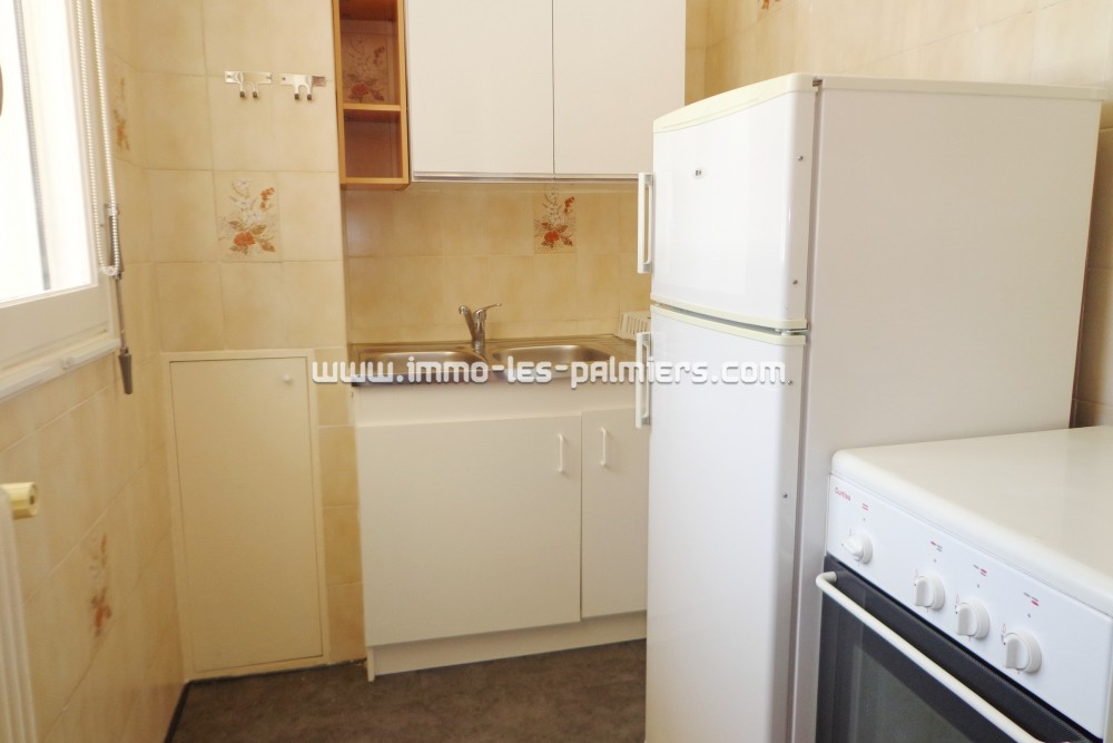 Image 5 : A studio apartment in the ...