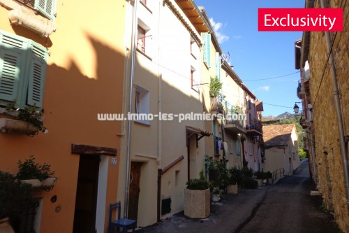 Image 5 : 2 room apartment located in the heart of the village of Castellar with cellar