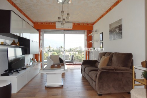 Image 1 : 3-room apartment on the top floor with terrace and private parking.