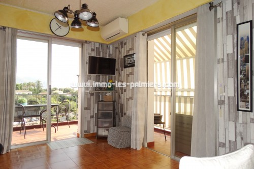 Image 4 : 3-room apartment on the top floor with terrace and private parking.
