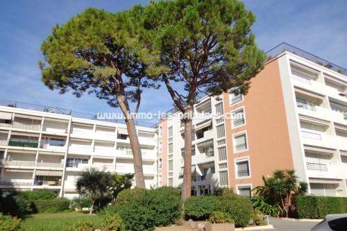 Image 0 : Appartement 3 pièces sur le bord de mer à Roquebrune Cap Martin