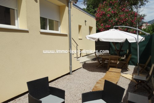 Image 2 : Detached house with terrace and garden located in Menton