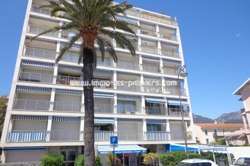 Furnished studio facing the sea and the beaches in roquebrune cap martin. ideal single person.