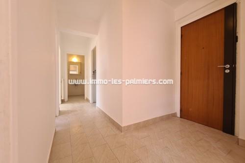 Image 1 : Menton, Borrigo valley, 2 Rooms empty in high floor with private parking