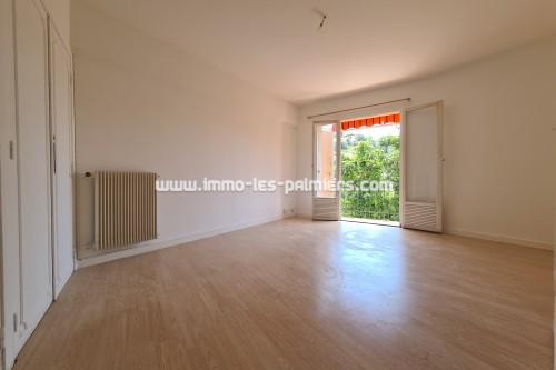 Image 2 : Menton, Borrigo valley, 2 Rooms empty in high floor with private parking