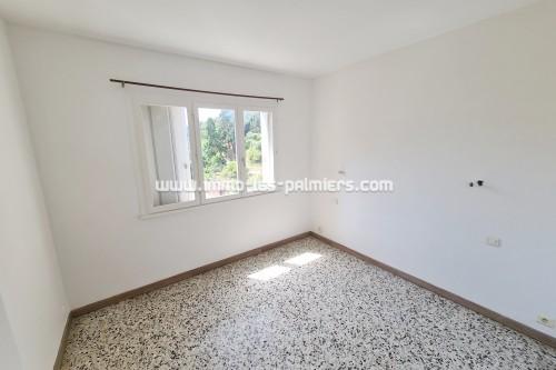 Image 4 : Menton, Borrigo valley, 2 Rooms empty in high floor with private parking