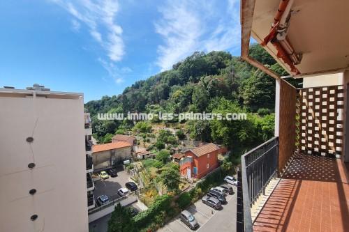 Image 7 : Menton, vallée du Borrigo, 2 Pièces vide en étage élevé avec parking privé