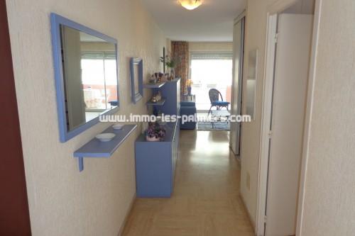 Image 1 : Petite résidence dans le quartier calme de Roquebrune cap martin. 2 pièces traversant meublé.