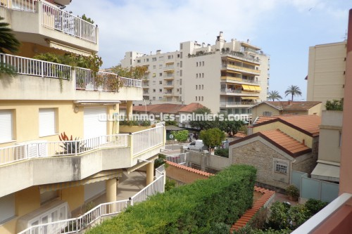 Image 7 : Piccola residenza nel tranquillo quartiere di Roquebrune. 2 camere che attraversano arredate.